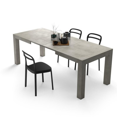 Table with 2 extensions, from 140cm to 220cm.