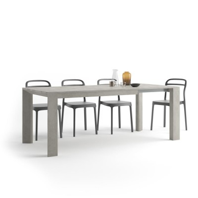 Table with an extension, from 140 cm to 200 cm.