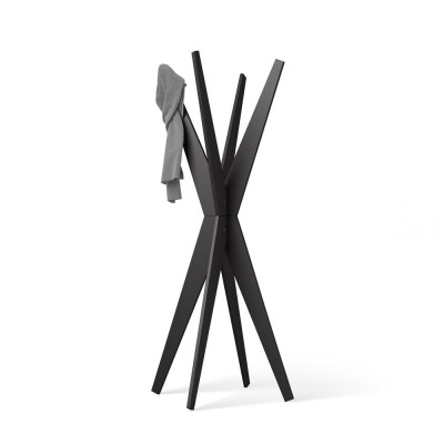 Impress your guests with a modern and design coat stand! By choosing the Emma floor coat stand with 4 hooks, you will give liveliness to all the rooms where you insert it.  H 170,5cm.