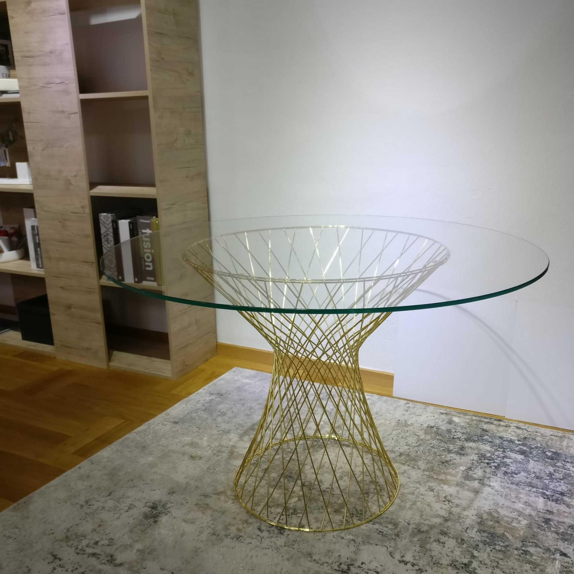 Table with metal structure and glass top - ZION