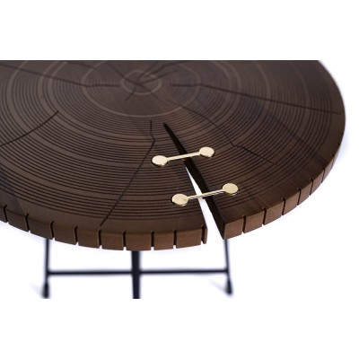 Coffee table with black metal frame and walnut top, engraved and two gold details - NORDIC COFFEE